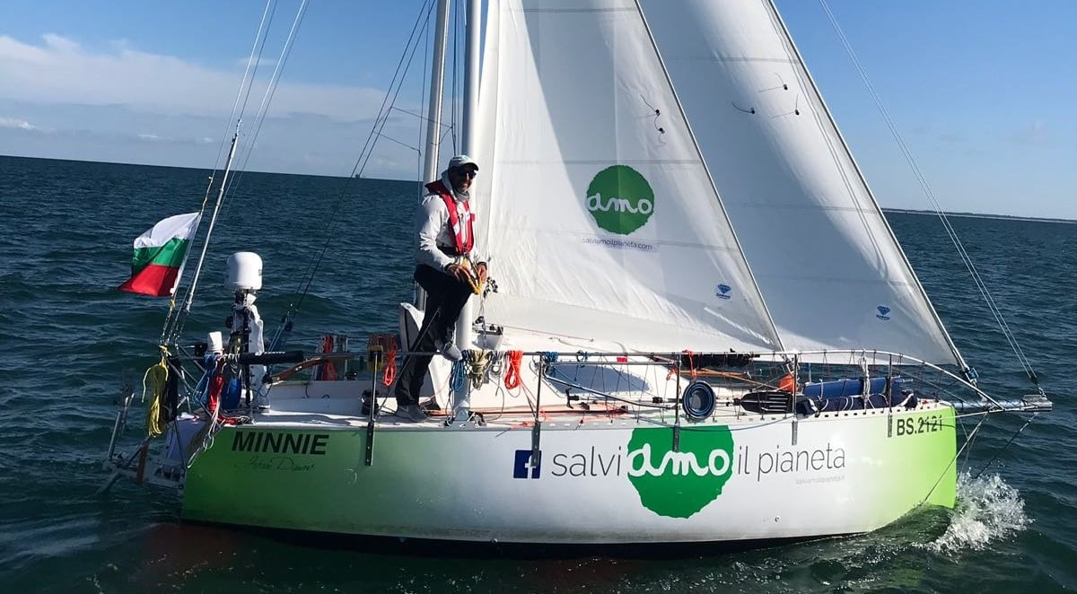 Ivan Dimov parte per il giro del mondo in barca in solitaria